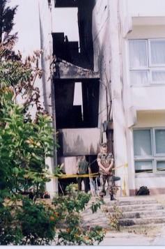 黒こげに破壊された沖縄国際大学1号館