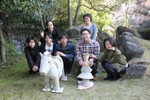 考古学研究室が巫女形埴輪と馬形埴輪の復元を行いました。